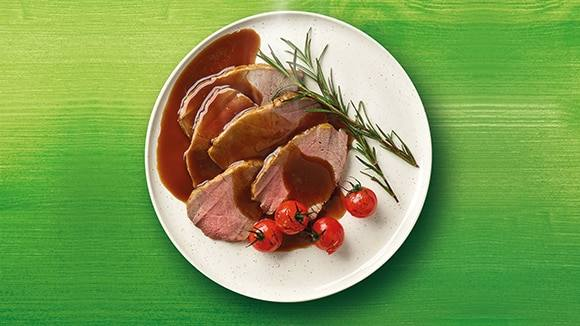 Eye of Round Roast Beef with Au Jus Gravy
