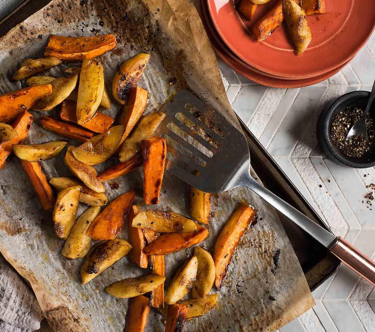 Cinnamon Roasted Sweet Potatoes & Apples