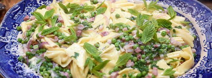 Easy Pancetta Pasta with Peas Recipe