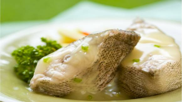Poached Fish in Asparagus Sauce Recipe