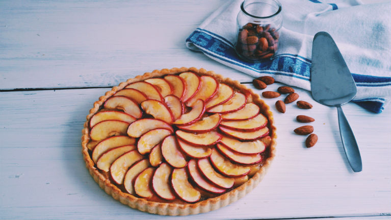 Vegan Easy & Tasty Coconut Apple Tart
