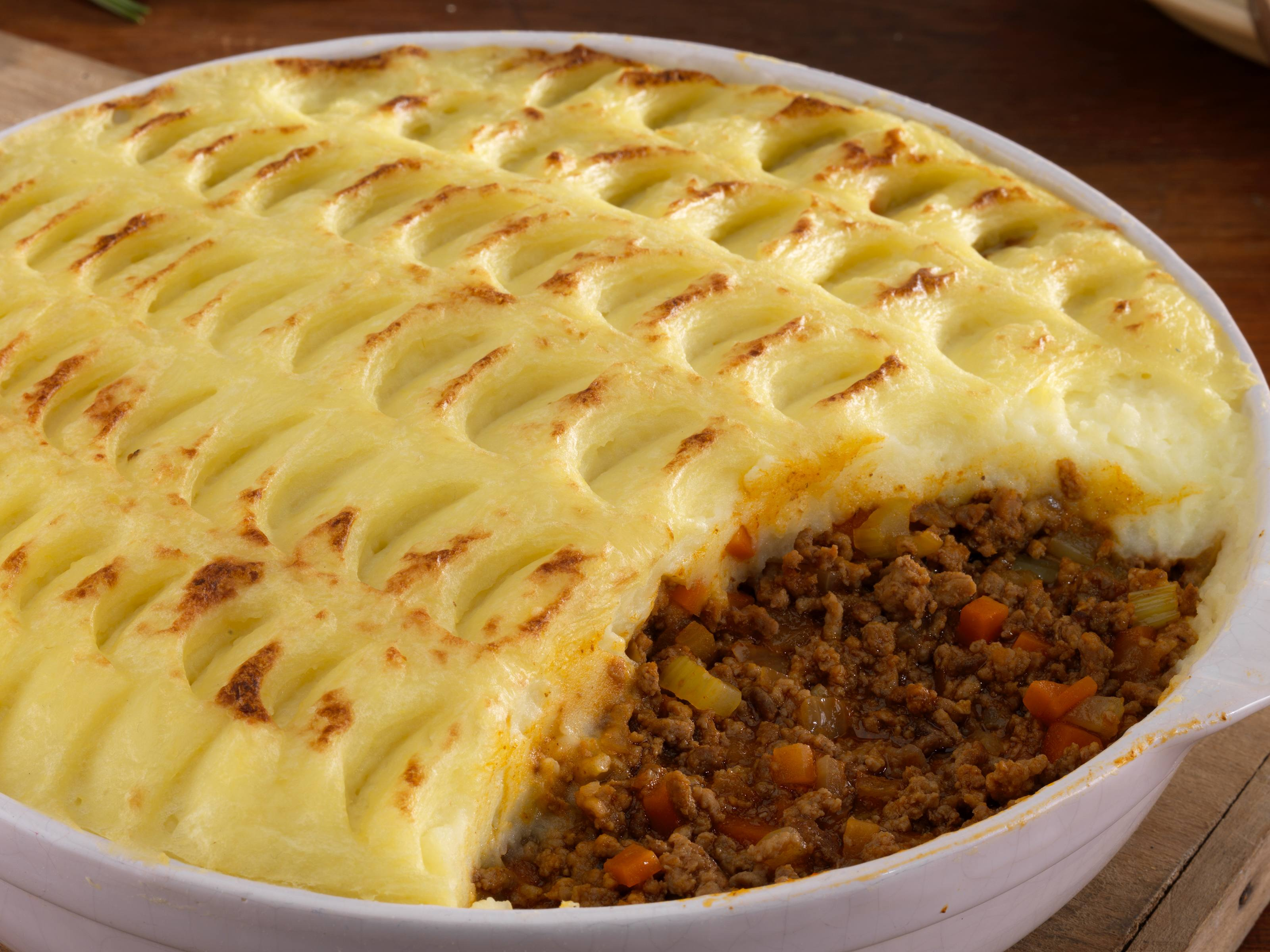 Traditional Shepherds Pie With Garden Peas