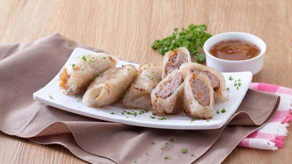 Pork Kikiam in Rice Paper Wrapper with Sweet Chili Sauce Recipe