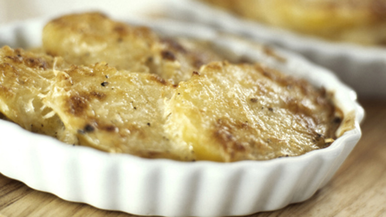 Golden Potato & Herb Bake