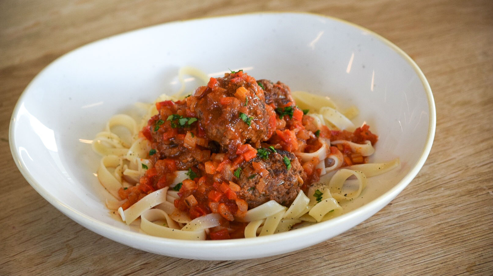 Meatballs with Sweet Pepper Sauce