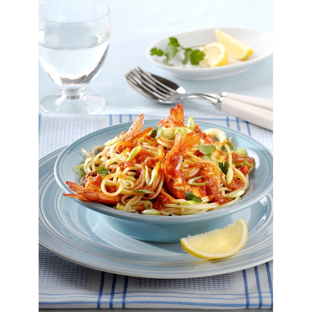 Spaghetti met gamba's en pittige tomatensaus