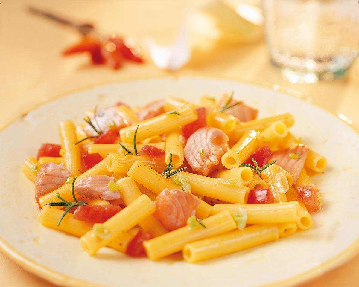Macaroni met verse zalm