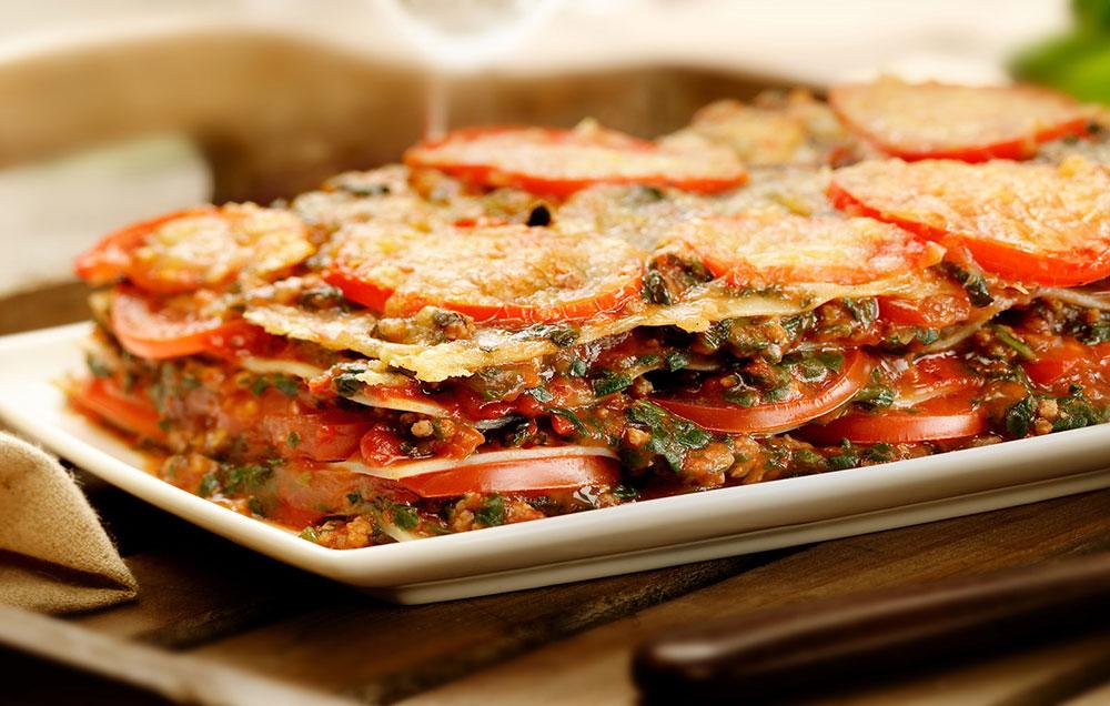 Lasagne met spinazie, tomaat en gehakt