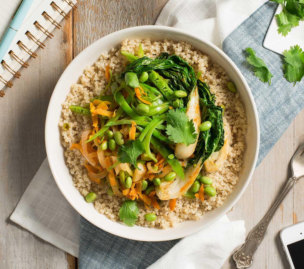 Bols de quinoa végétarien