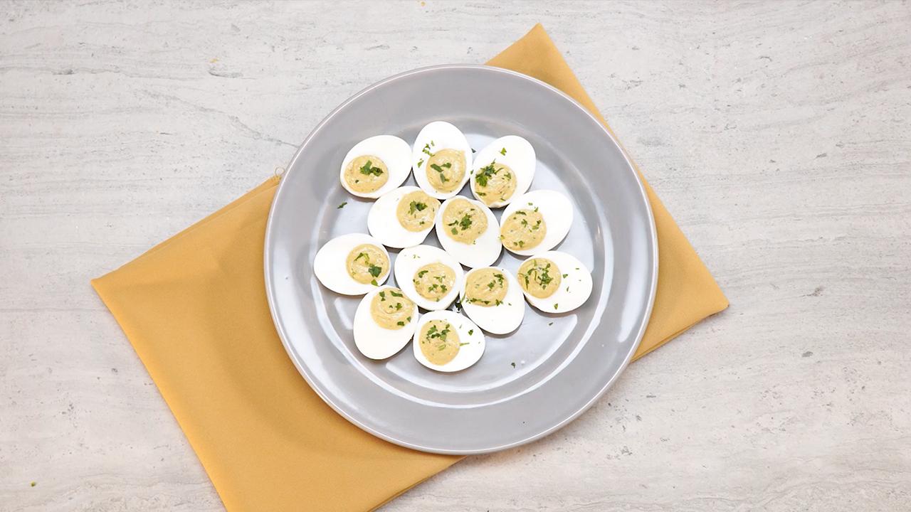 Huevos rellenos especiales