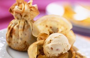 Aumônière de crêpes poires et miel