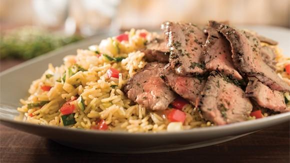 Filete a la plancha y  arroz con verduras