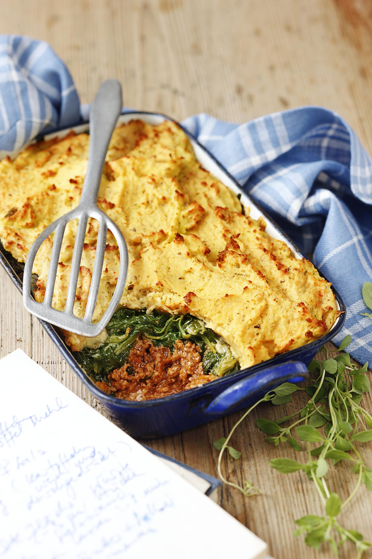 Bolognese-Auflauf mit Kartoffel-Käsehaube