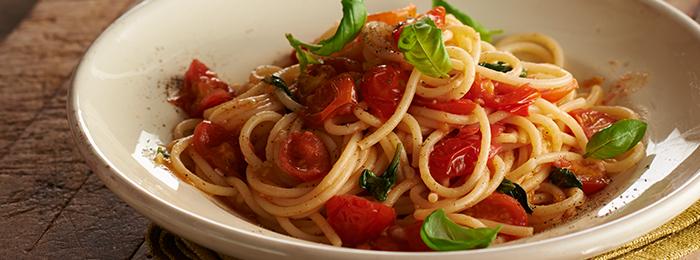 Spaghetti with Tomato Pasta Sauce