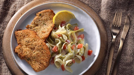 Breaded Veal Cutlets with Fettucine Alfredo