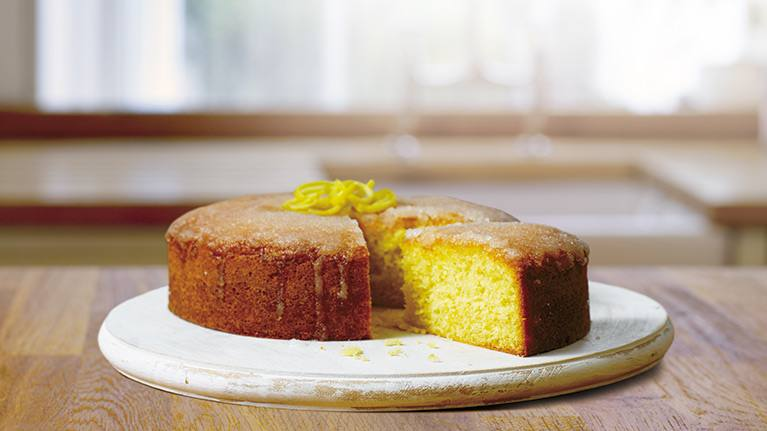 Easy & Tasty Lemon Drizzle Cake Recipe