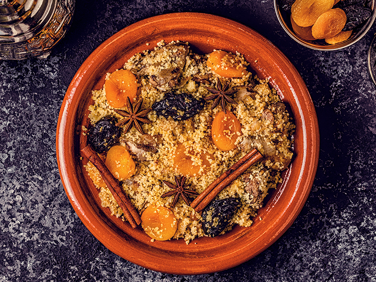 Aromatic Couscous with Chicken and Apricots