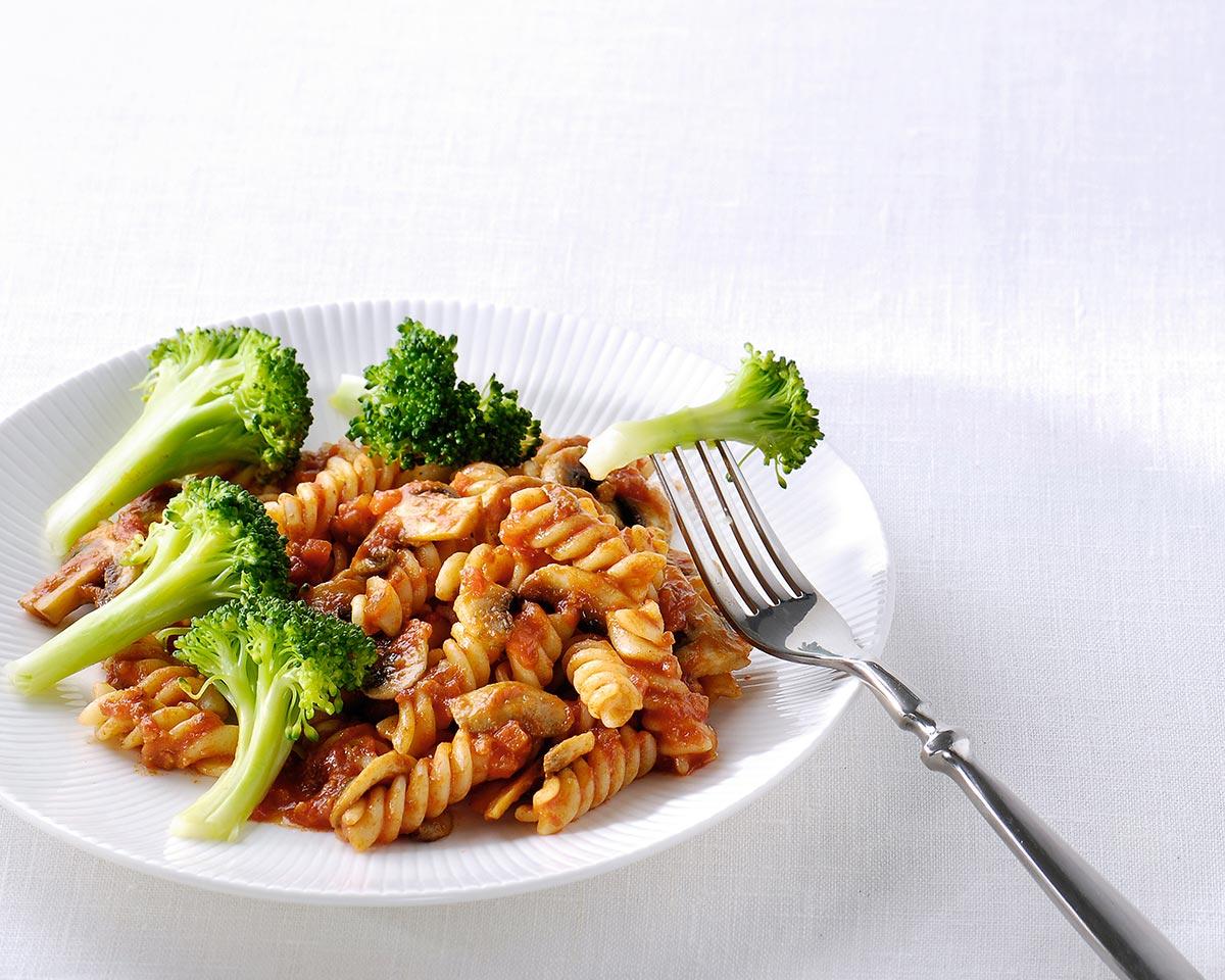 Fusilli Bolognese met gebakken champignons