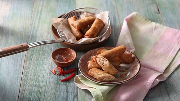 Fried Lumpiang Ubod sa Gata with Garlic Vinegar Dipping Sauce Recipe