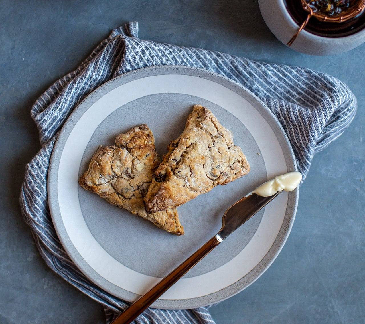 Honey Oatmeal-Raisin Scones