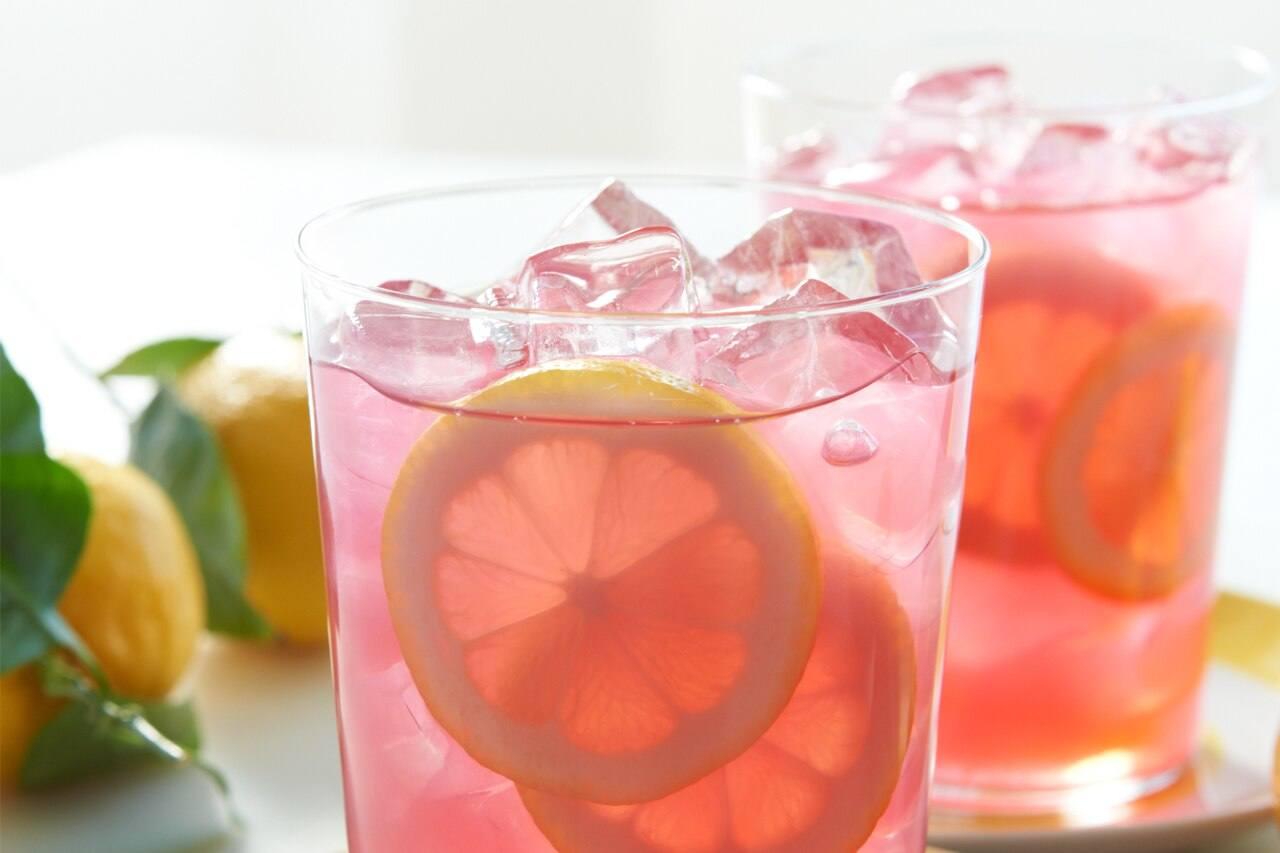 Floating Lemon-Strawberry Acai Iced Tea