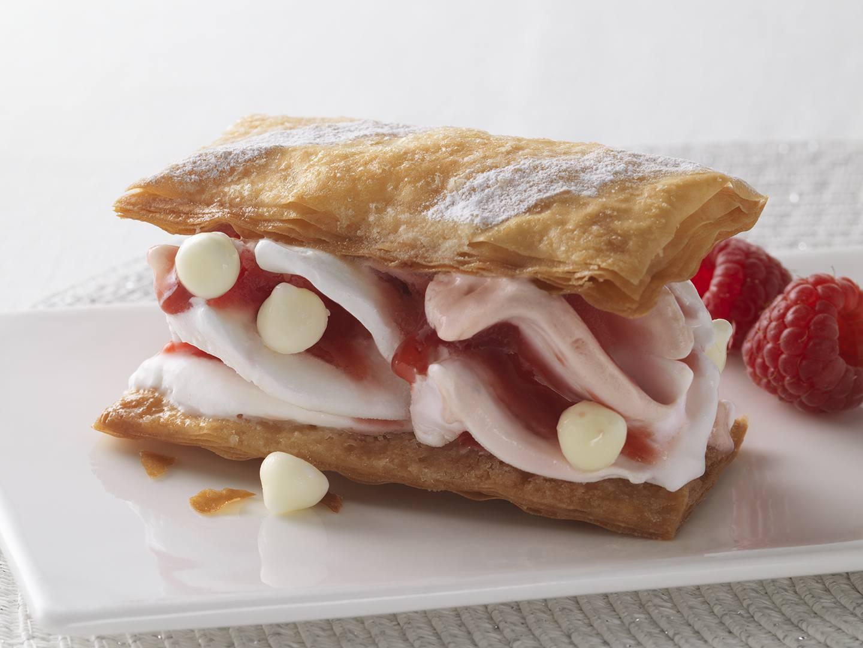 Millefeuille fraise meringue et framboise