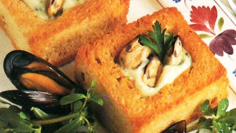 Μύδια με άσπρη σάλτσα