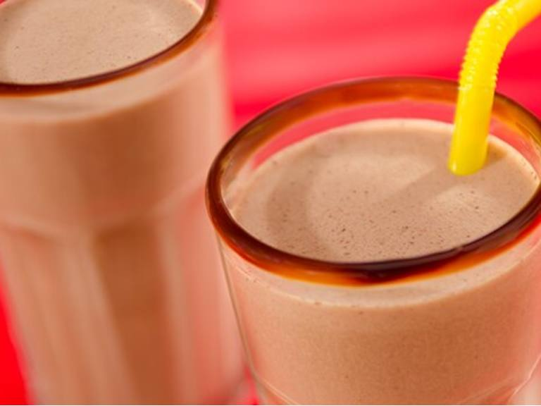 Batido doble de chocolate y mantequilla de maní