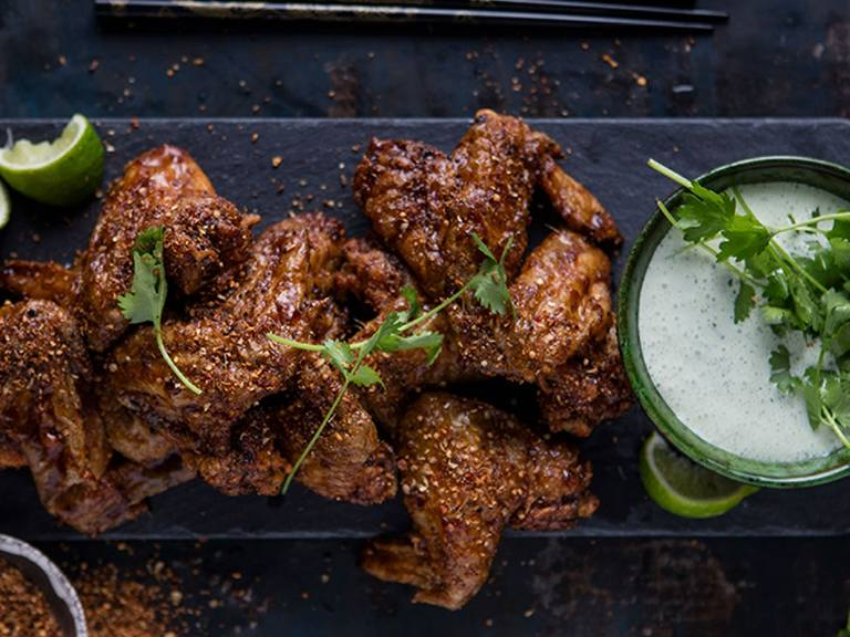 Crispy and Sticky Chicken Wings