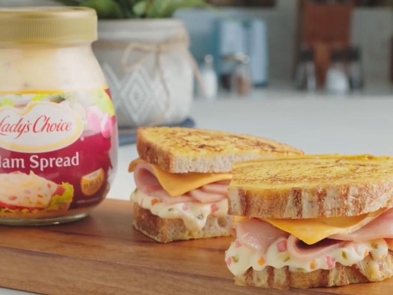 Hamcheeza Sandwich