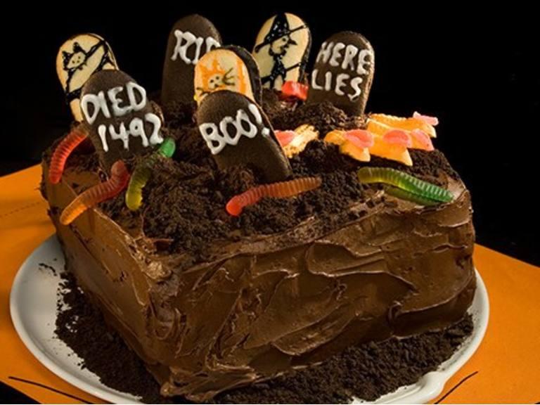 Chilling Graveyard Cake