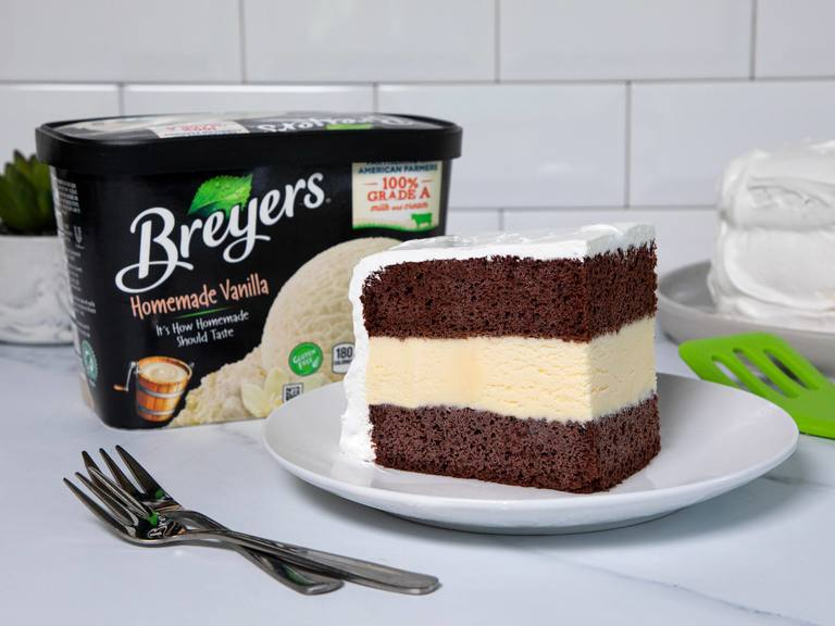 Pastel de cumpleaños helado Breyers