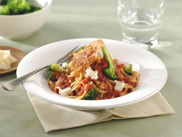 Linguine met broccoli en knapperige pancetta