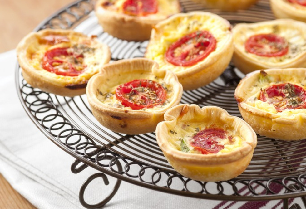 Ham, cheese & tomato quiches