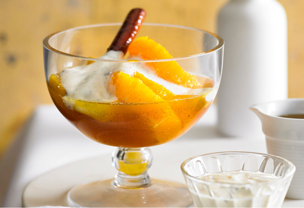 Vanilla-spiced oranges & honey yoghurt