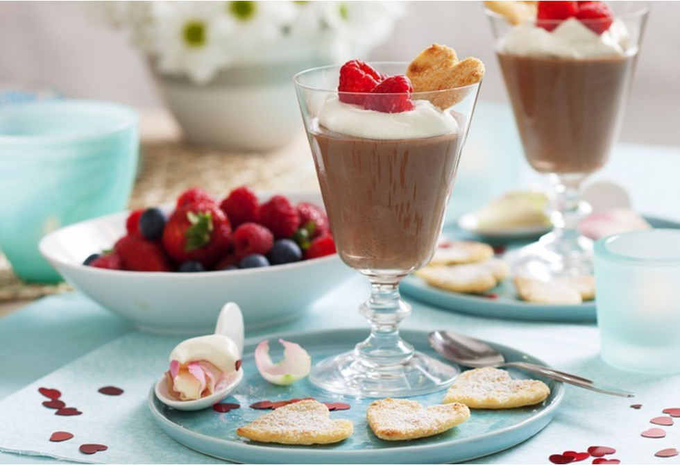 Chocolate mousse with pastry hearts