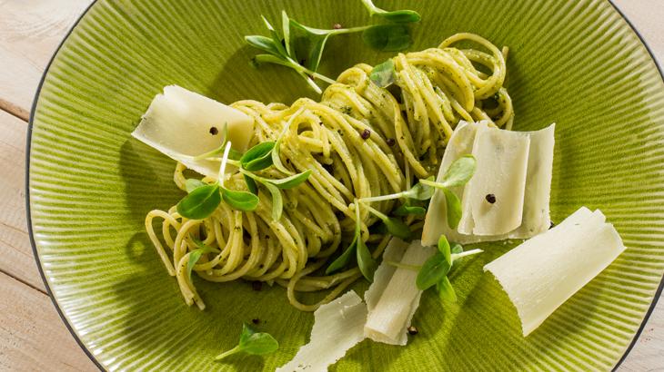 espaguetis al pesto_730x410