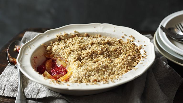 flora-peach-raspberry-crumble-767x431