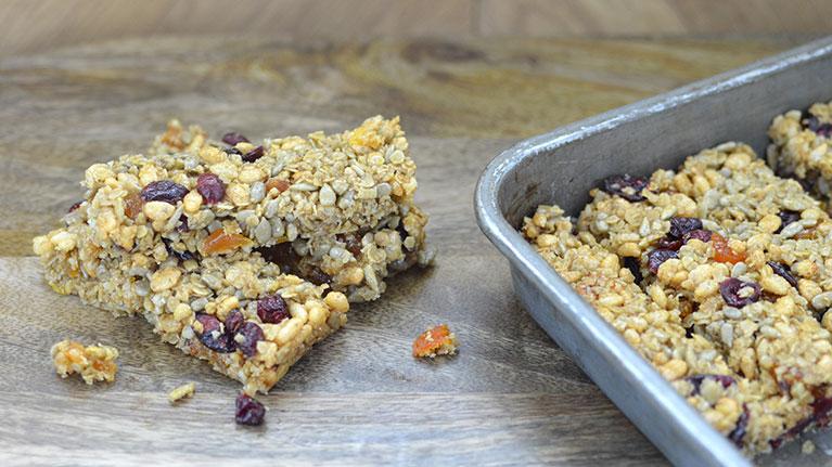 Tasty Homemade Granola Bars Recipe