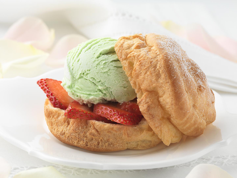 Petit pain pistache fraise