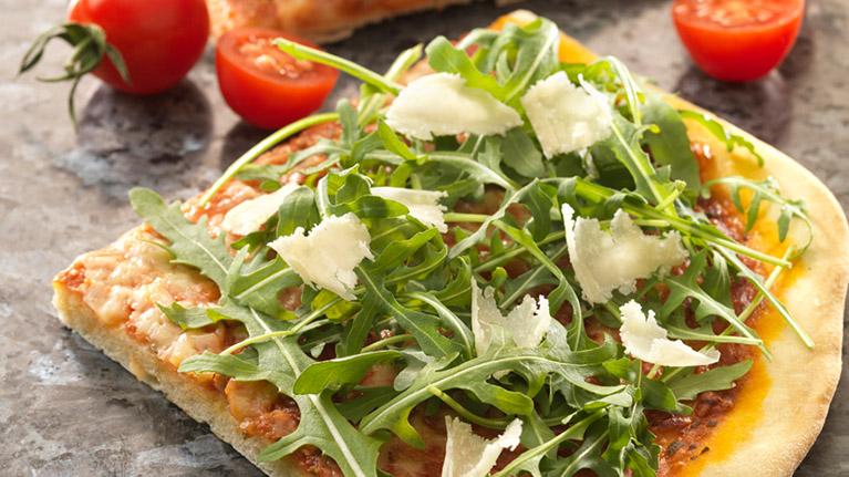 flora-cuisine-pesto-pizza-767x431