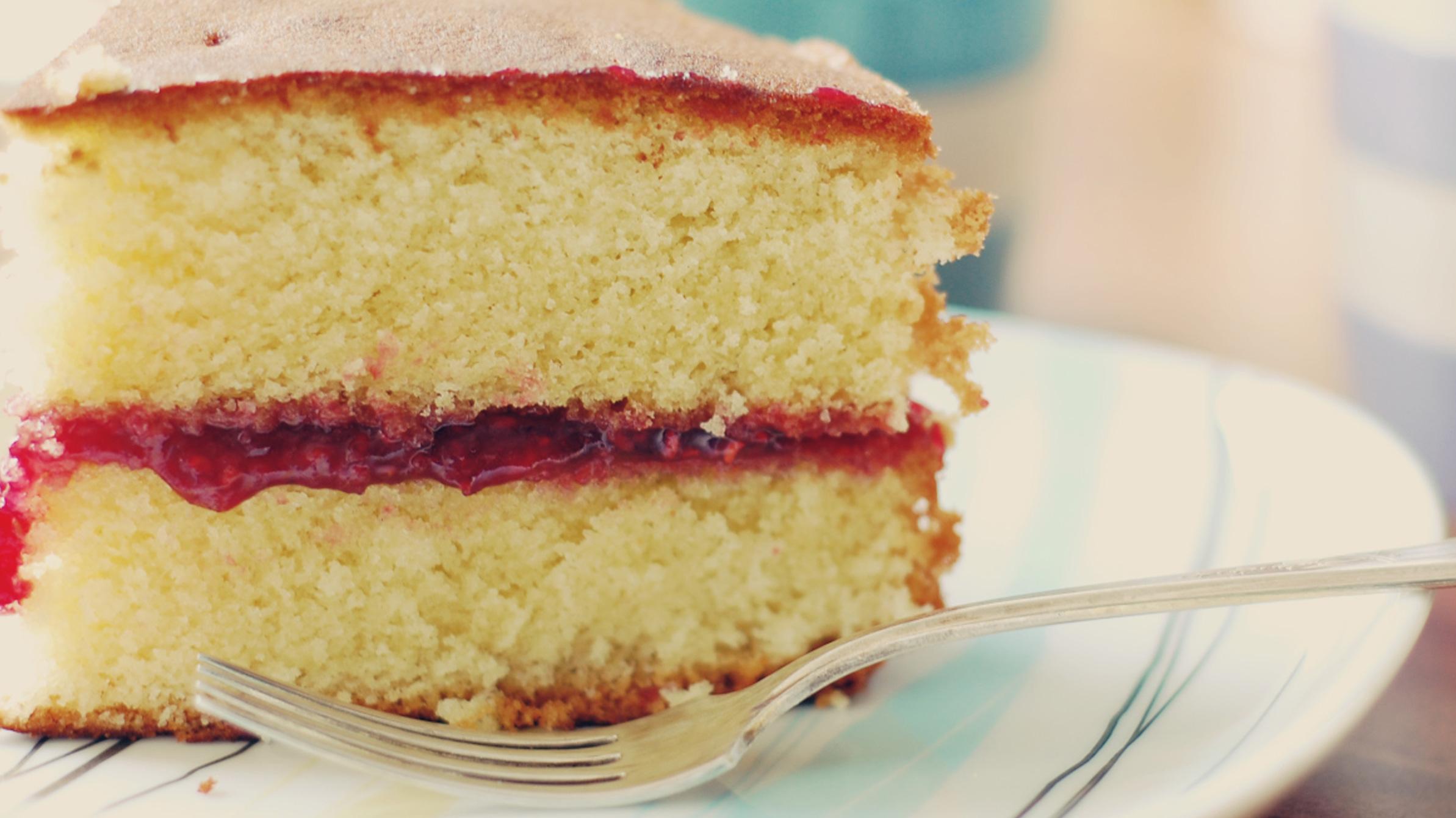 White Plain Sponge Cake