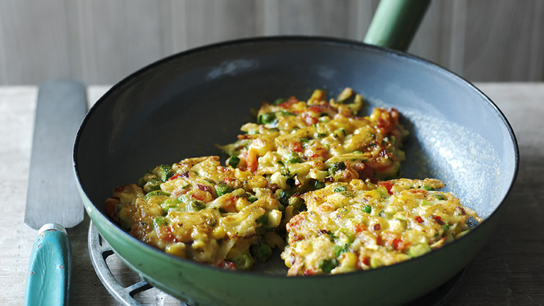 flora-healthy-veggie-fave-fritters-767x431