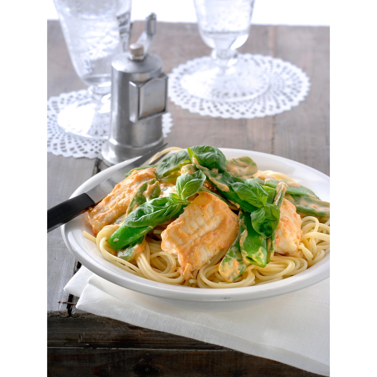 Spaghetti met witvis en pestosaus