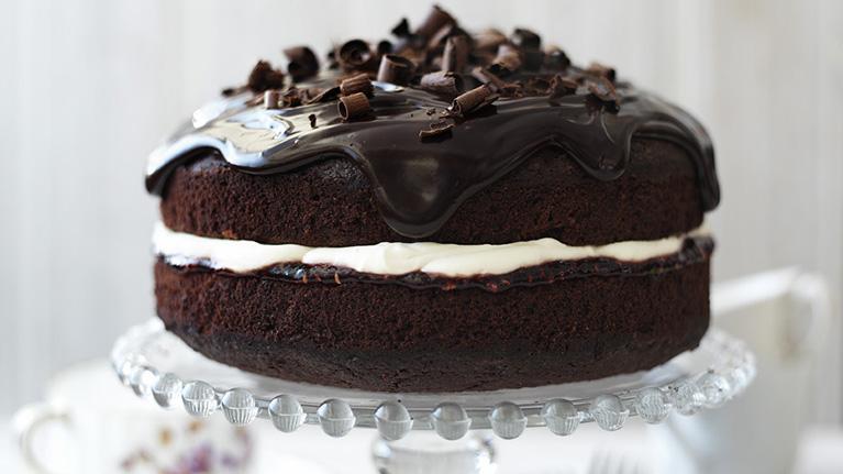 flora-chocolate-beetroot-cake-767x431