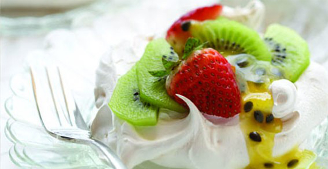 Meringues with Kiwifruit, Strawberries and Passionfruit Sauce