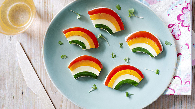 flora-red-pepper-rainbow-sandwich-767x431