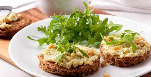 Multigrain Crostini with Artichoke Spread and Rocket Recipe