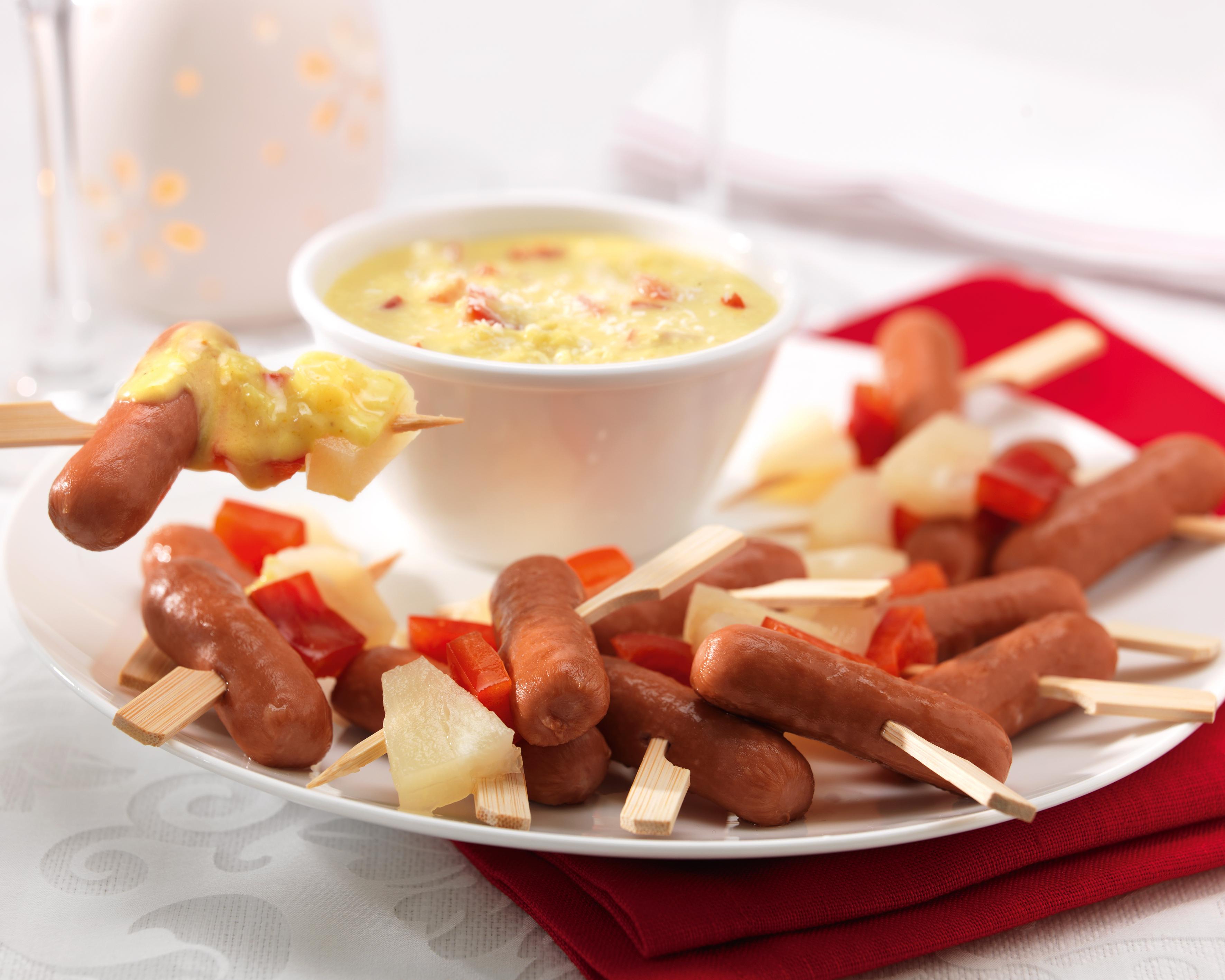 Mini-brochettes de saucisses TV, ananas et poivron