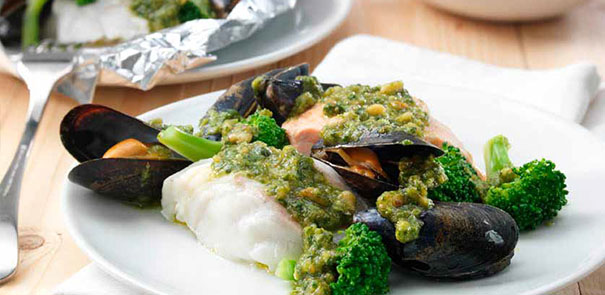 Mixed Fish Parcels with Broccoli and Basil Topping Recipe